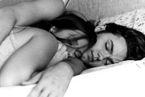 black-and-white-couple-cuddle-cute-love-Favim.com-192336